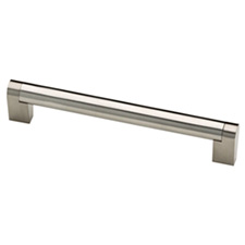 Liberty Hardware P28922-SS-C Stratford Collection 160mm Bar Pull Stainless SteelQuincaillerie Liberté / Liberty Hardware P28922-SS-C Poignée en Barre Collection Stratford - 160mm - Acier Inoxydable